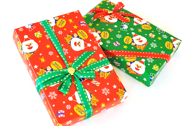 クリスマス包装紙ラッピング