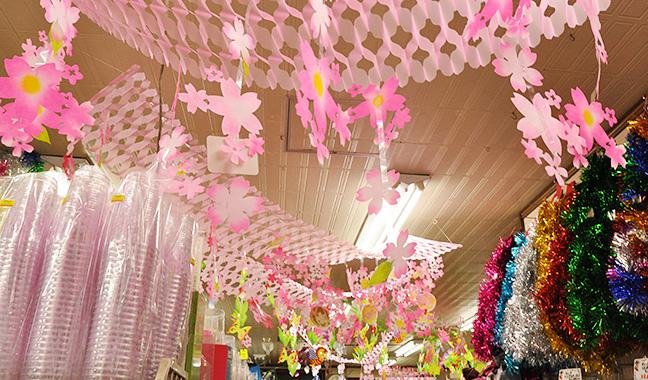 春の天井装飾