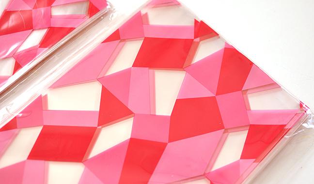 幾何学模様柄クリスタルパック
