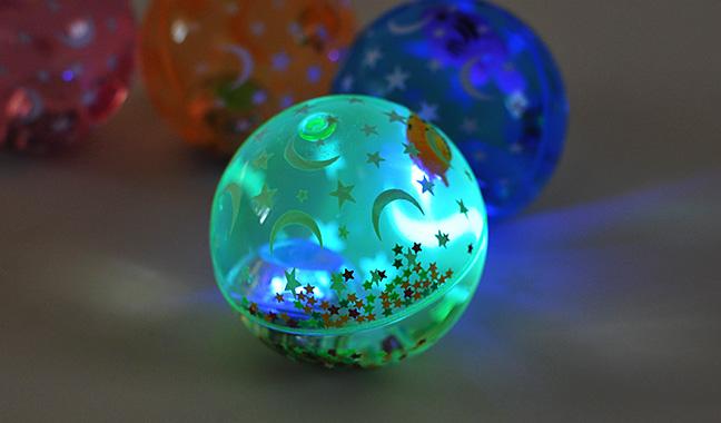 光るアクアマリンウォーターボール
