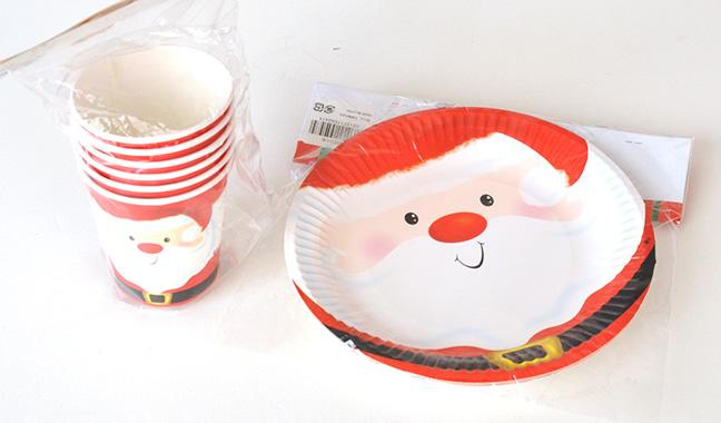 サンタクロース柄ペーパーディッシュ・ペーパーカップ